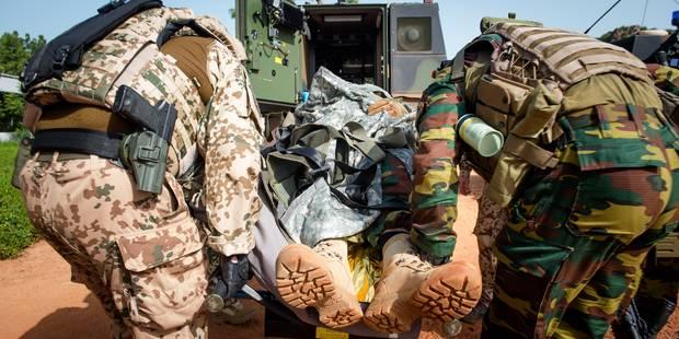"""En mission avec les militaires au Mali: """"Patrouiller ici plutôt qu'à Bruxelles, c'est ça mon vrai travail"""" (PHOTOS) - La..."""