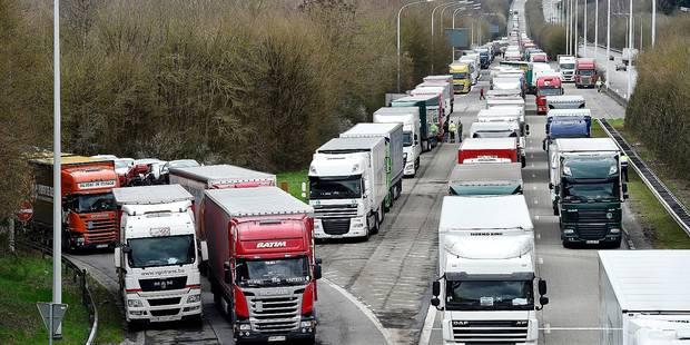 Six camions sur dix immatriculés à l'étranger - La DH