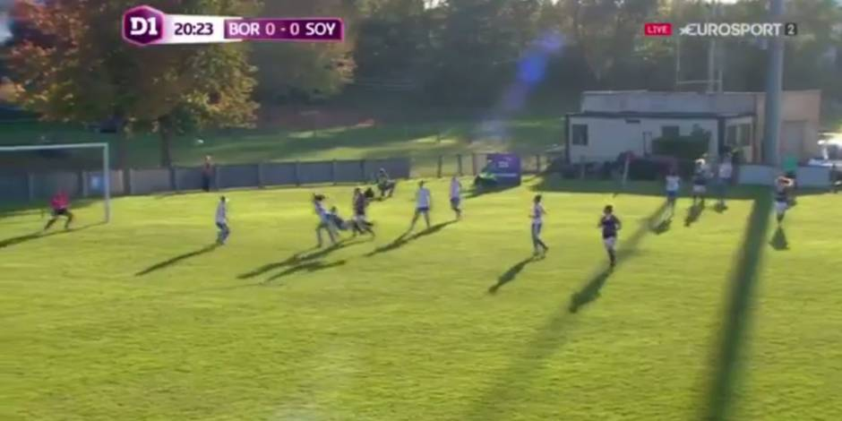 Un but sensationnel en football féminin (VIDEO)