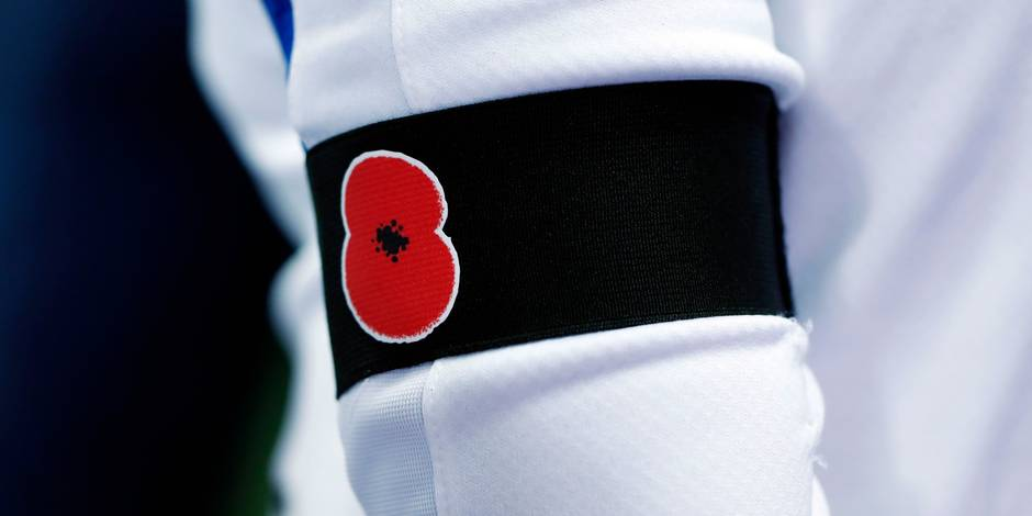 """L'Angleterre et l'Ecosse arborent le coquelicot pour rendre hommage aux morts de la """"Grande Guerre"""""""