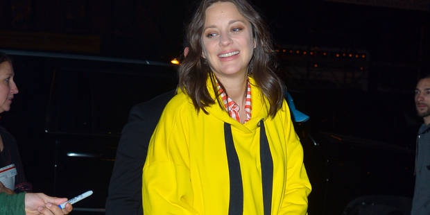 Marion Cotillard cool et disponible sous les flashs des paparazzi - La DH