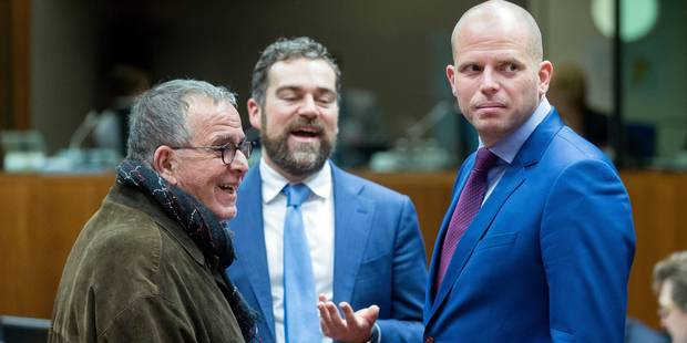 November 18, 2016, Brussels, Belgium: Greek Alternate Minister for Migration Policy Ioánnis Mouzálas (L) is talking with the Dutch State Secretary for Security and Justice Klaas Dijkhoff (C) and the Belgium State Secretary for Asylum and Migration, with responsibility for Administrative Simplification, attached to the Minister for Security and the Interior Theo Francken (R) prior a home affairs EU Ministers meeting in the European Council headquarter. (Thierry Monasse/Polaris) © PHOTO NEWS / PICTURES NOT INCLUDED IN THE CONTRACTS *** local caption *** 05668880
