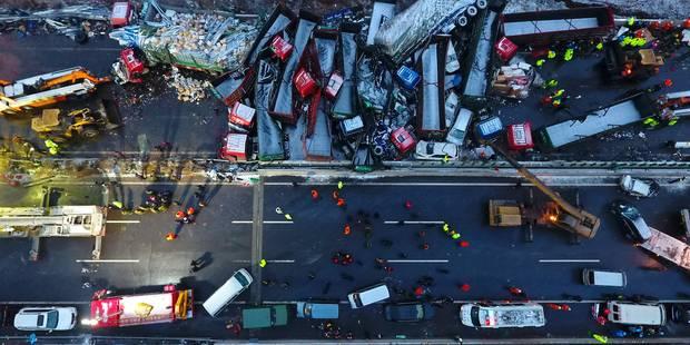 17 morts dans un carambolage en Chine - La DH