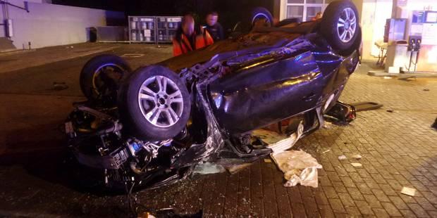Deux jeunes grièvement blessés lors d'une sortie de route à Roux - La DH