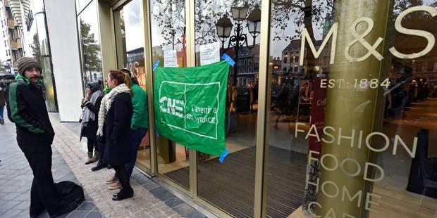 Piquet de grève devant Marks&Spencer à Bruxelles: la direction a fait appel à des huissiers - La DH
