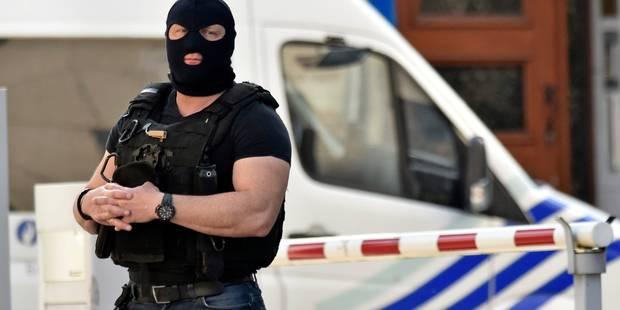Attentats de Paris: la chambre du conseil prolonge la détention de Mohamed Abrini et d'Ossama Krayem - La DH