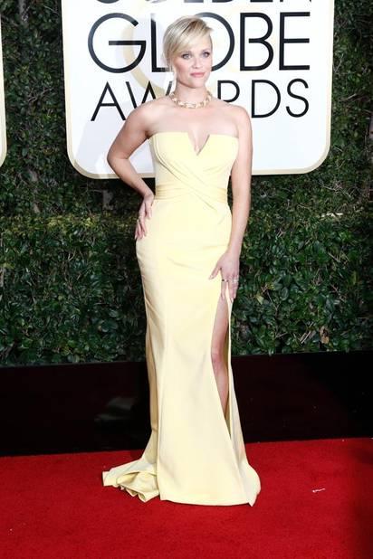Les tops : Reese Witherspoon, en Versace