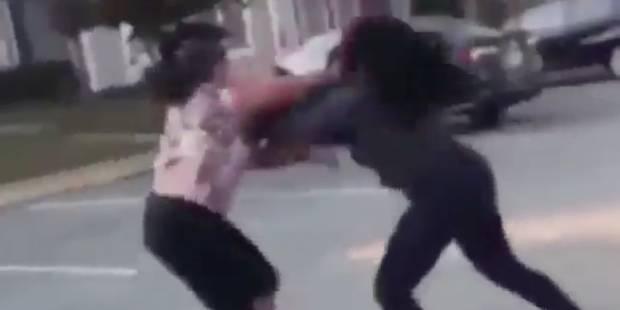 Bagarre de rue: une mère encourage sa fille à se battre - La DH
