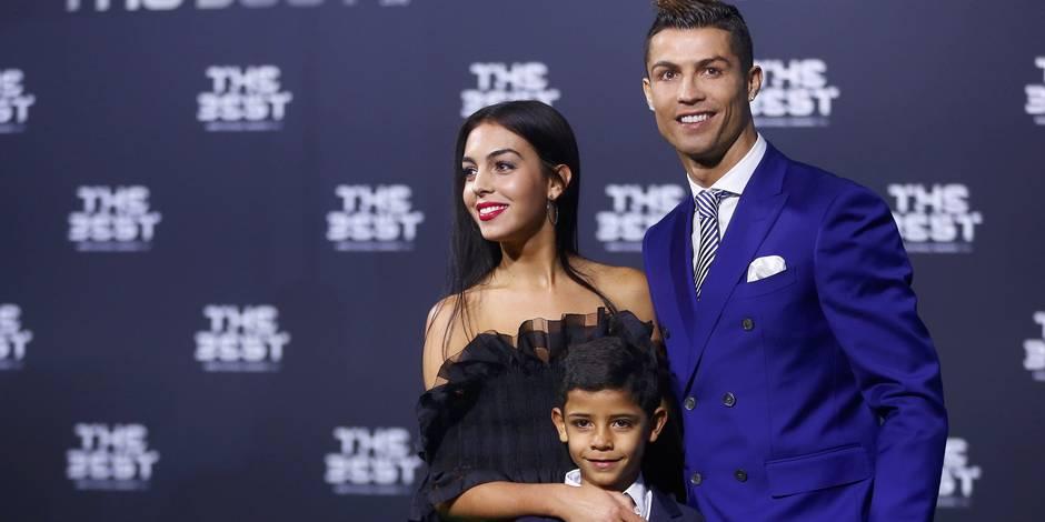 Ronaldo présente sa nouvelle conquête sur le tapis rouge