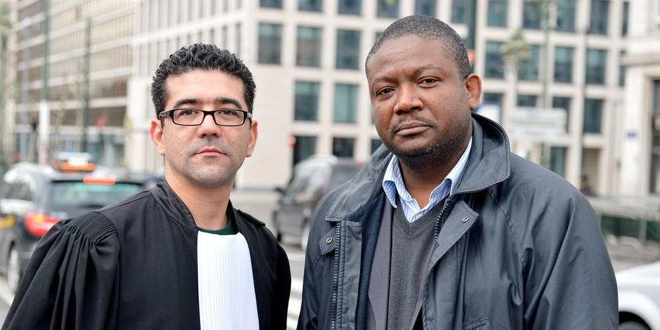 """Marié, père de trois enfants, M. Gustav Ahadji est belge depuis 25 ans. Son avocat Hamid El Abouti annonce le dépôt d'une plainte pour racisme, chez le juge d'instruction. Le parquet de Bruxelles a classé sans suite un dossier de roulage de juillet 2011 dans lequel un Bruxellois d'origine africaine se fait notamment traiter de """"Sale nègre"""" ."""