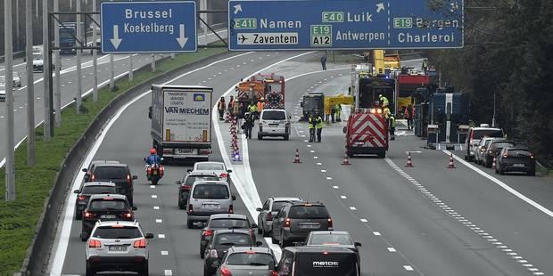 Un accident dans le tunnel Belliard provoque d'importants embarras de circulation - La DH