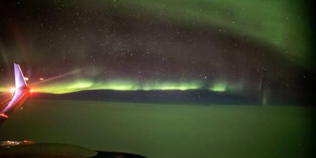 Les sublimes images des aurores boréales filmées d'un avion (VIDEO) - La DH