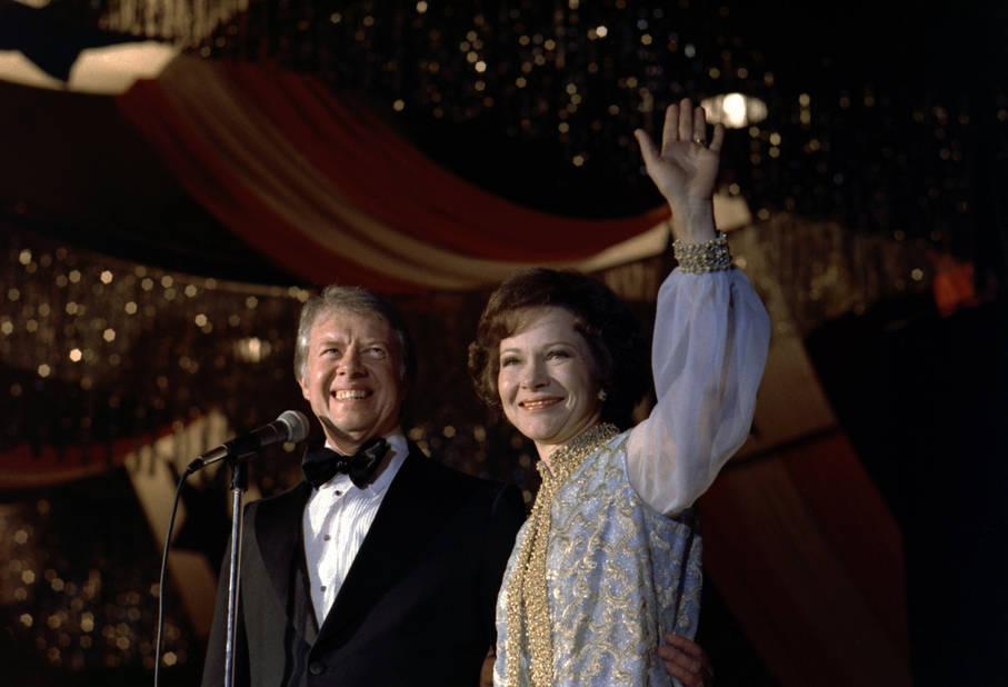 Le 20 janvier 1977, Rosalynn Carter portait la même robe que lors de l'élection de son mari en tant que gouverneur. Un geste sentimental qui n'a pas plu à tout le monde.