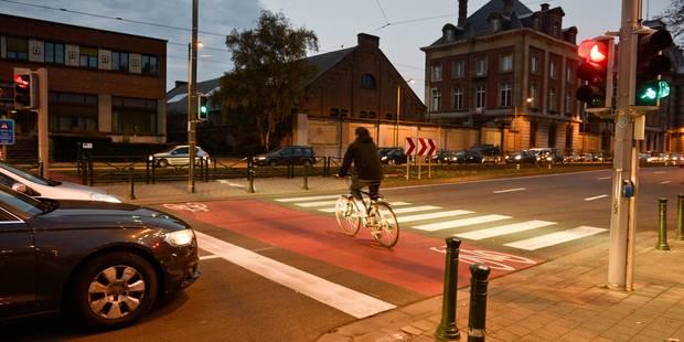 Un jeune cycliste mortellement renversé par un automobiliste à Bassevelde - La DH