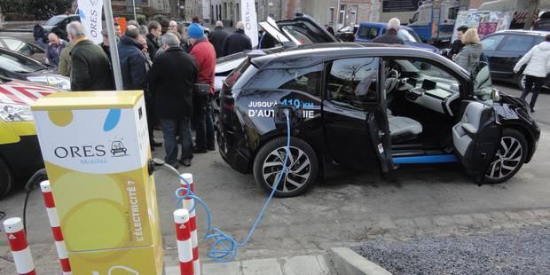 La borne de recharge pour véhicules électriques est installée à Thuin - La DH