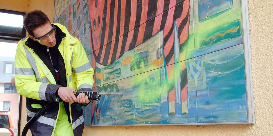 Nivelles : Un auteur de tag va nettoyer les façades
