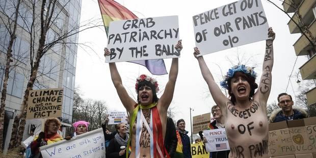 Des activistes seins nus contre la visite de Mike Pence à Bruxelles (PHOTOS et VIDEOS) - La DH