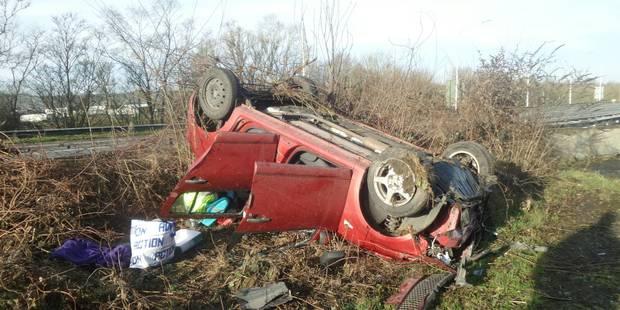 Un accident sur l'autoroute A54 à Jumet blesse une mère et son bébé - La DH