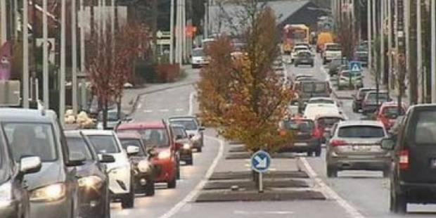 Bouge: que pensez-vous de la bande de bus chaussée de Louvain? - La DH