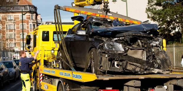 Anderlecht: Deux blessés après un accident dans un rond-point - La DH