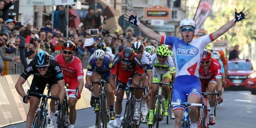 Kwiatkowski grille la politesse à Sagan — Milan San Remo