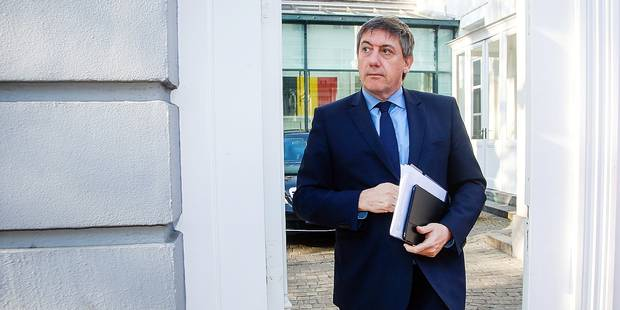 Vice-Prime Minister and Interior Minister Jan Jambon leaves after a meeting of the consultative committee with ministers of the Federal government, the regional governments and the community governments, in Brussels, Monday 18 April 2016. This meeting with the different governments is called when matters involving multiple levels are discussed. Today they're discussing the national reform and stability program. BELGA PHOTO THIERRY ROGE