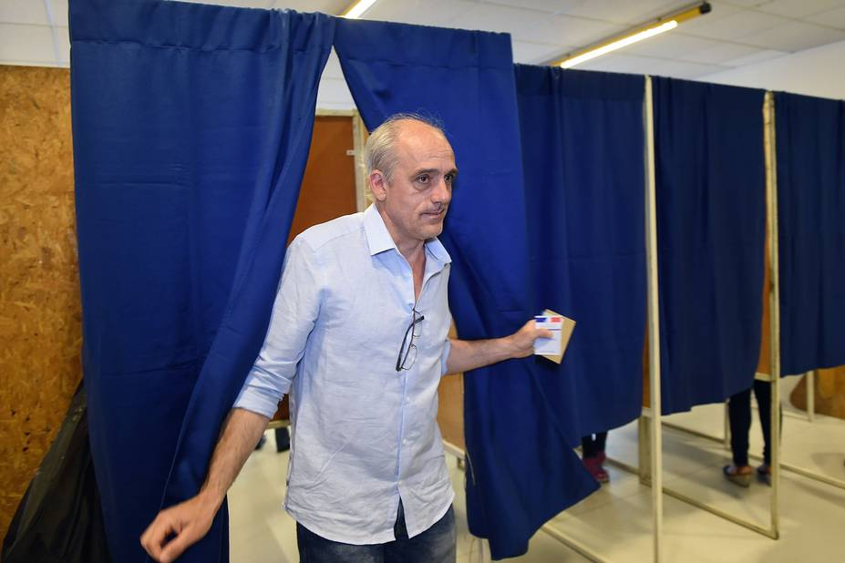 Les onze candidats ont voté — Présidentielle