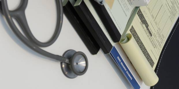 Un médecin de Laeken renvoyé en correctionnelle pour de faux certificats à 5 euros - La DH