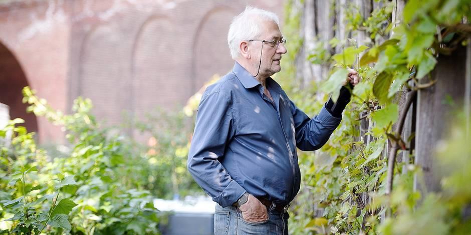 Bruxelles - Avenue de la couronne : portrait de Jan Beckers - 50 ceps de vignes sont plantes en communauté dans ce potager qui jouxte l'avenue de la couronne