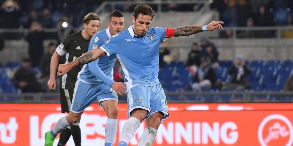 Gol Lucas Biglia Lazio Calcio di rigore Goal celebration penalty 1 0 Roma 13 02 2017 Stadio Olimpico