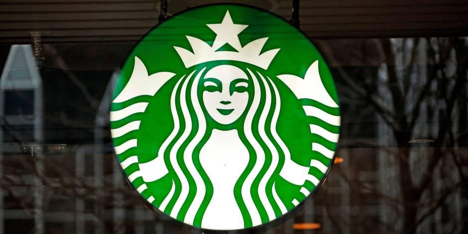 """Des bactéries fécales retrouvées """"dans la glace utilisée par Starbucks"""""""