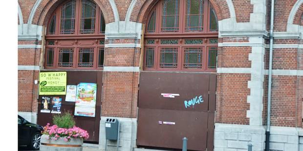 Péruwelz: Affichage sauvage à la gare - La DH