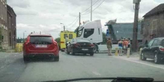Un camion et deux voitures impliqués dans un accident à Villers-le-Bouillet - La DH