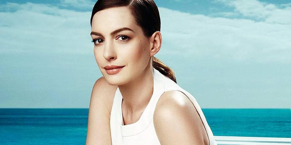 Anne Hathaway dans la nouvelle campagne publicitaire printemps été 2017 de la marque de lunettes Bolon