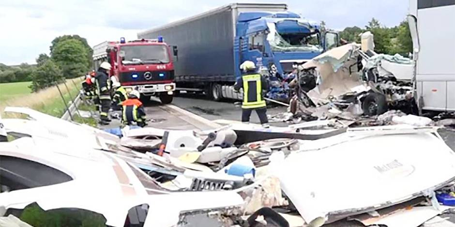 accident mortel d 39 une famille belge en allemagne tamara a t projet e sur des m tres massimo. Black Bedroom Furniture Sets. Home Design Ideas