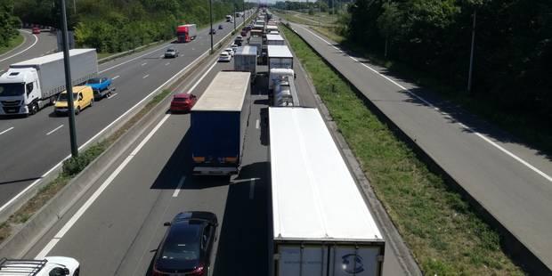 Pagaille en vue pour monter sur l'autoroute à Mons - La DH