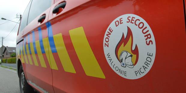 La police interpelle deux suspects suite à des feux de voitures à Mouscron - La DH