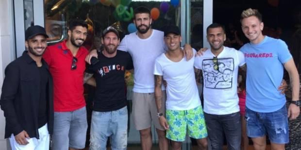 Les joueurs du Barça posent avec Neymar... et mettent leur direction en sacré pétard - La DH