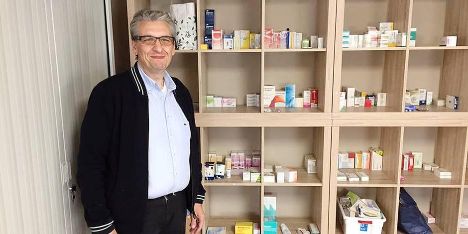 Pharmacie solidaire à Ghlin: la ministre De Block interpellée