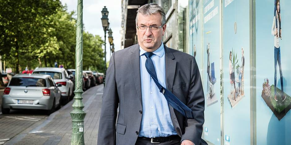 Head of MR group, Pierre-Yves Jeholet arrives for a council meeting of the French-speaking liberals MR in Brussels, Tuesday 25 July 2017. The chairmen of MR and cdH reached an agreement to form a new Walloon Government. BELGA PHOTO AURORE BELOT
