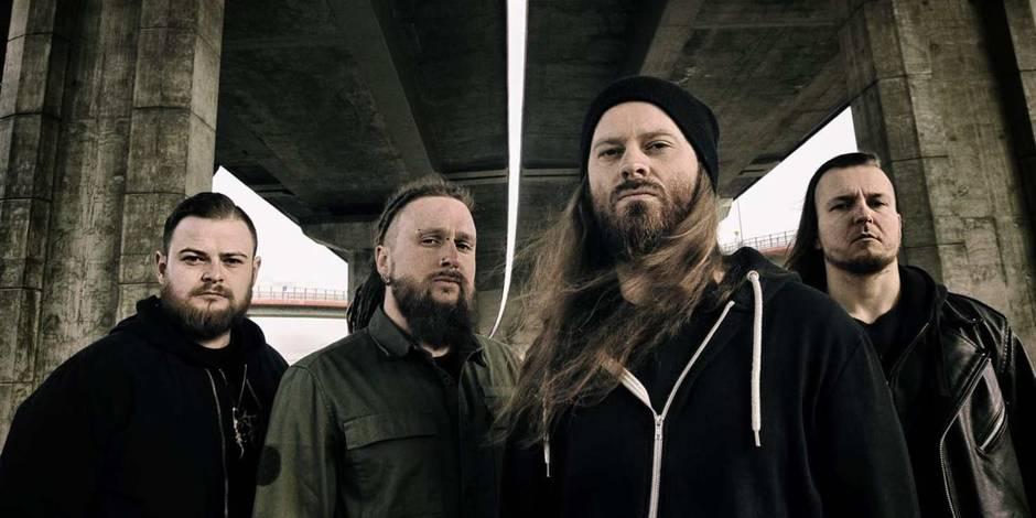 """Un groupe de death metal accusé de viol collectif: """"Le batteur du groupe m'a attrapé les seins"""""""