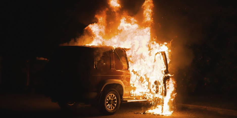 Voitures brûlées à Ath: Un homme inculpé mais remis en liberté