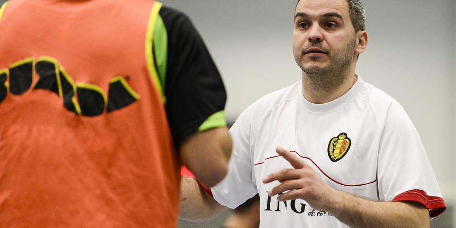 20140119 - ANTWERP, BELGIUM: Belgian assistant coach Luca Cragnaz pictured during a training session of Belgian futsal team Red Devils, Sunday 19 January 2014, in Antwerpen. The 9th European futsal Championships take place in Antwerpen from January 28th until February 8th 2014. BELGA PHOTO LAURIE DIEFFEMBACQ