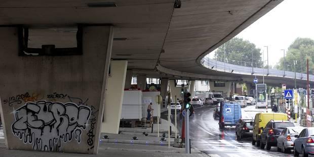 Le viaduc Herrmann-Debroux fermé jusqu'à jeudi matin au moins: une seule bande de circulation sur l'E411 entre Léonard e...
