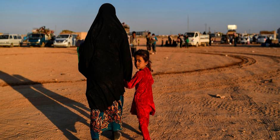 Lutte contre l'Etat islamique : un convoi quittera Raqa samedi après un accord d'évacuation