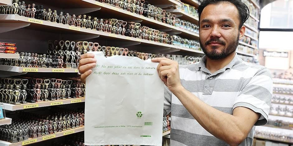 Les sacs plastiques se font déjà plus discrets dans les commerces bruxellois