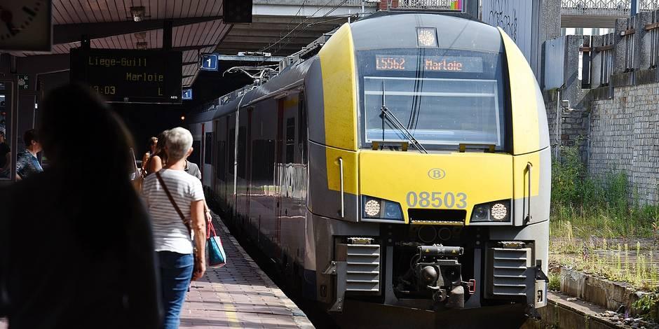 SNCB train gare Palais Liège transport rail voyageur navetteurs ticket conducteur contrôleur écologie horaire