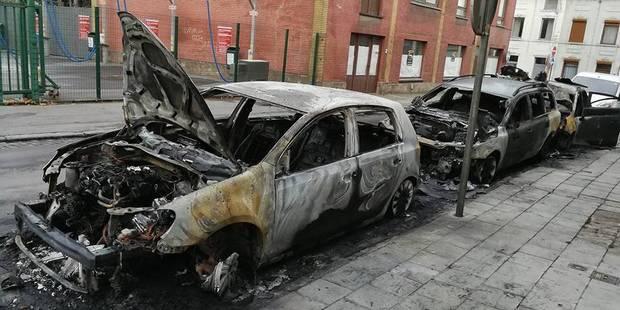 Trois voitures incendiées à Châtelet - La DH