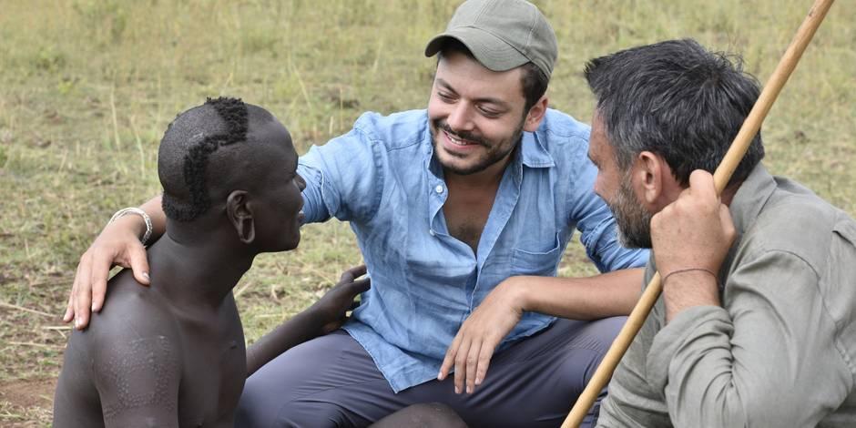 Rendez Vous En Terre Inconnue, Kev Adams et Frédéric Lopez chez les Suri, peuple de bergers guerriers du sud de l'Éthiopie.