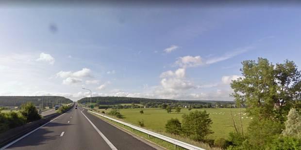 Une voiture se retrouve en contrebas de la E411 à Lavaux-ste-Anne: 4 blessés - La DH